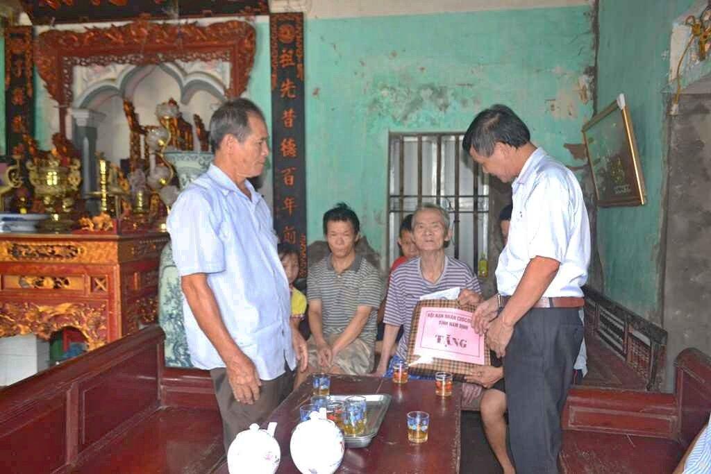 thăm và tặng quà Nạn nhân CĐDC